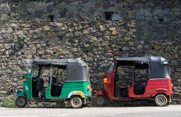 """Tuk-tuks du Sri Lanka: et oui, comme les """"rickshaws"""" en Inde!"""